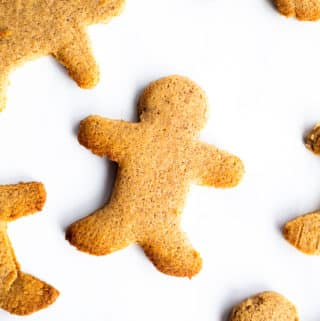 keto gingerbread men