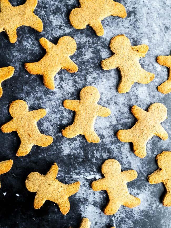 gingerbread men on dark background
