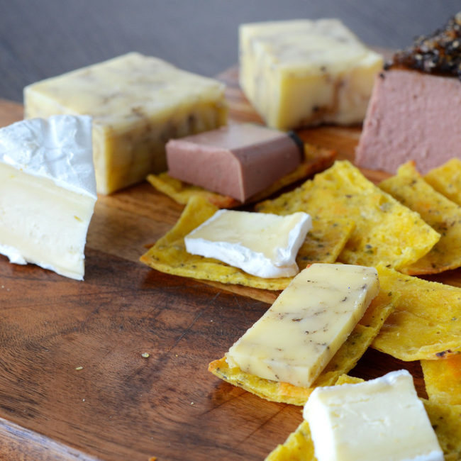 ketogenic fathead crackers