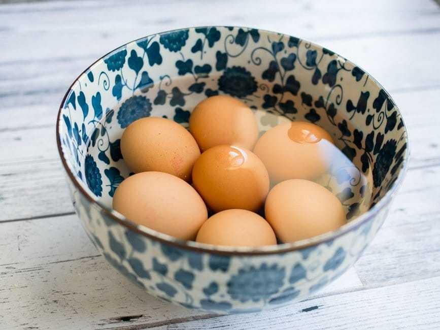 eggs in a bowl of water