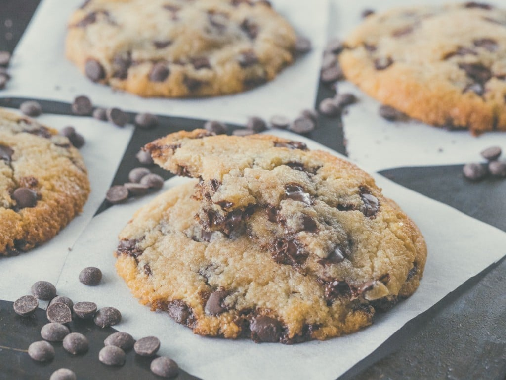 Ketogenic Chocolate Chip Cookies | All Articles about Ketogenic Diet