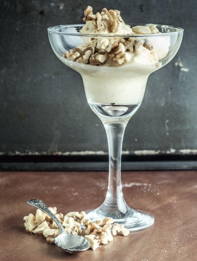 Easy Keto Ice-Cream – No Churn Vanilla Perfection