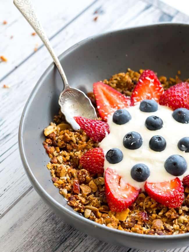Keto Granola Crunchy Breakfast Cereal - Low Carb Granola Recipe