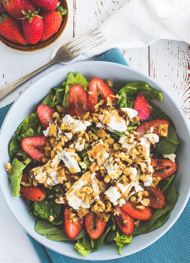 Keto Berry Salad with Goats Cheese and Walnuts
