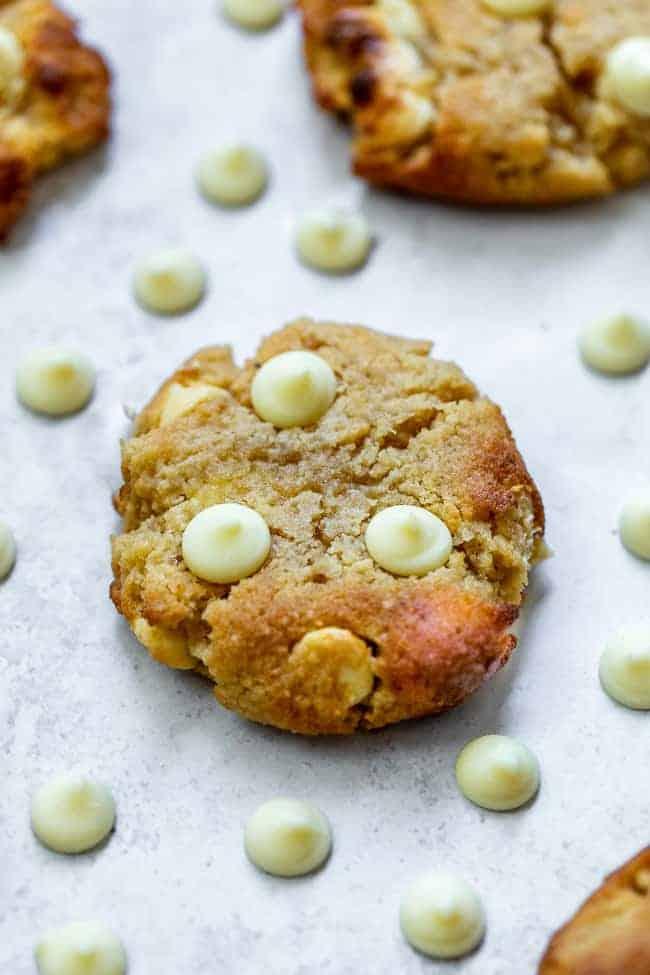 keto white chocolate chip cookies with white chocolate