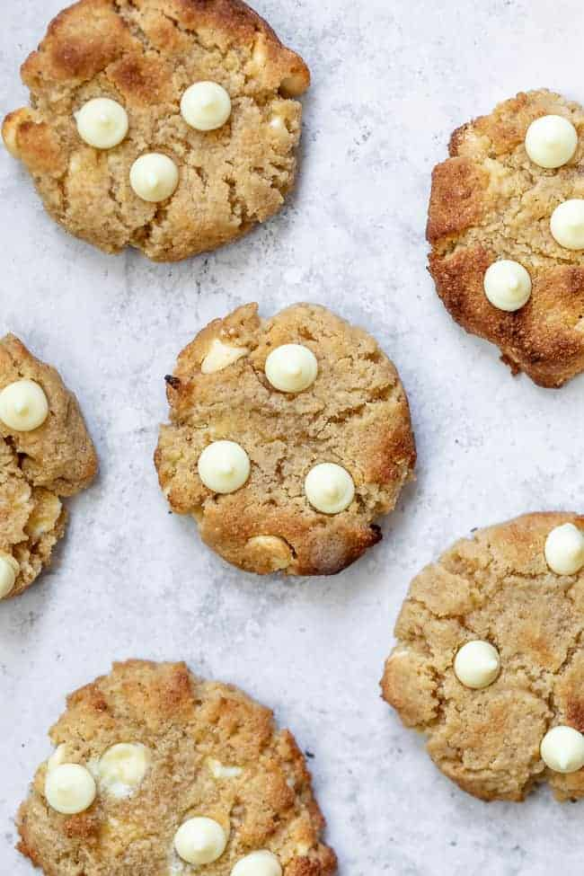 bunch of keto white chocolate chip cookies